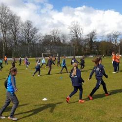 Zonnige voetbalmiddag bij Duindorp SV